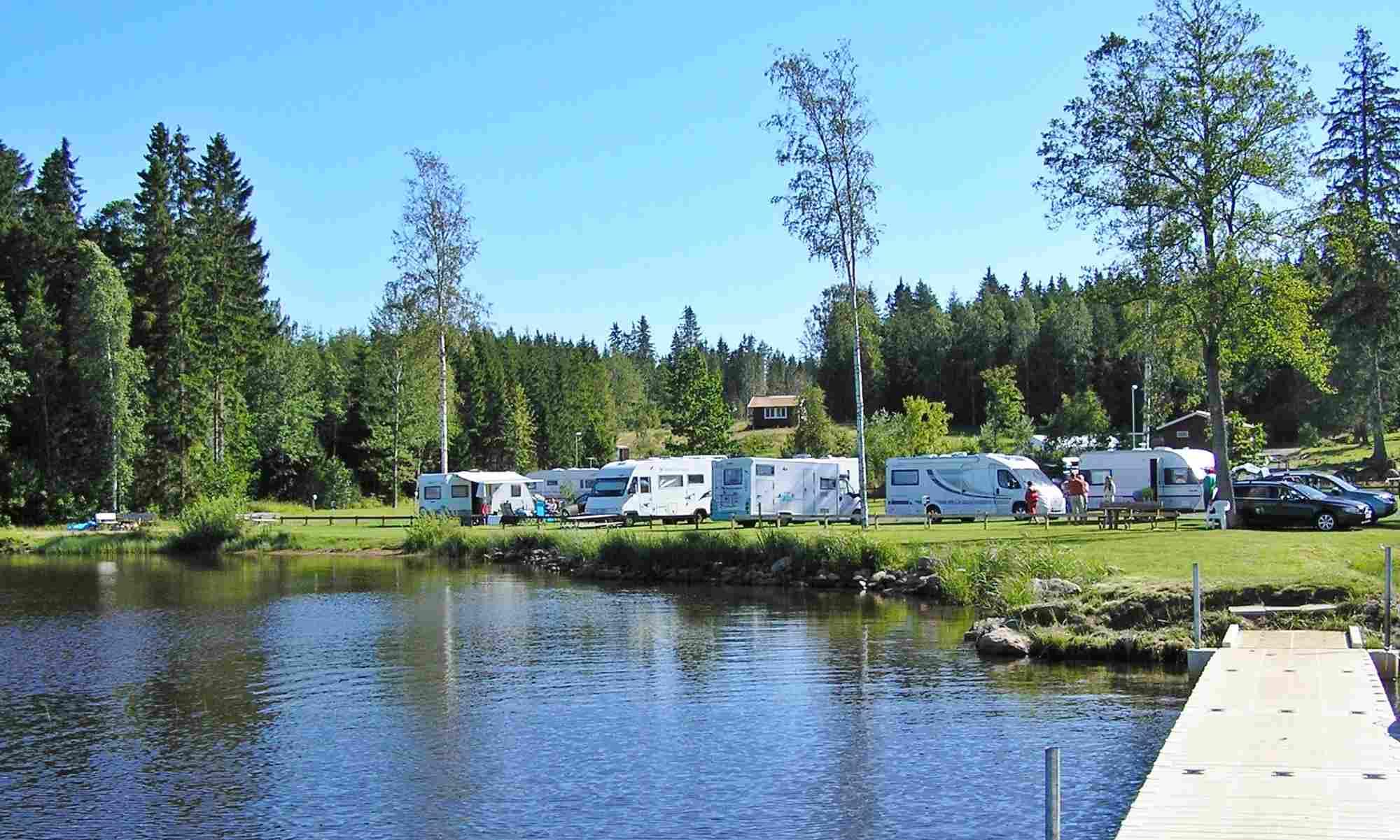 Campingen sedd från sjön
