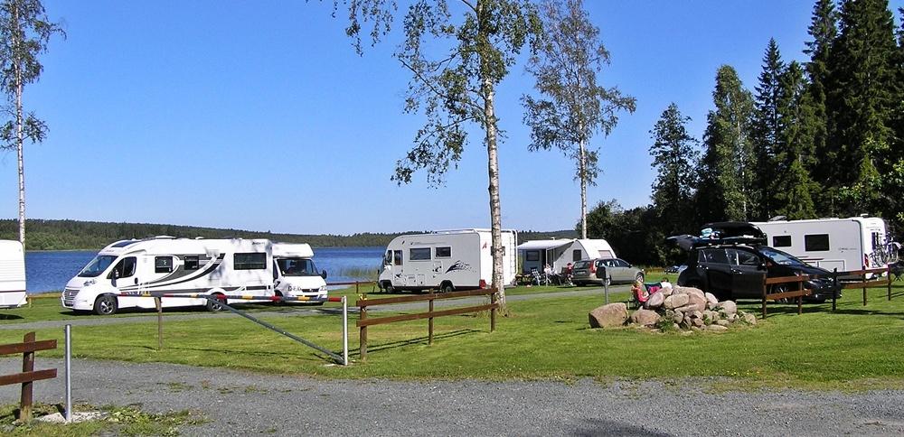 Campingplatser 5 meter från sjön