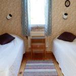 sovrum två enkelsängar